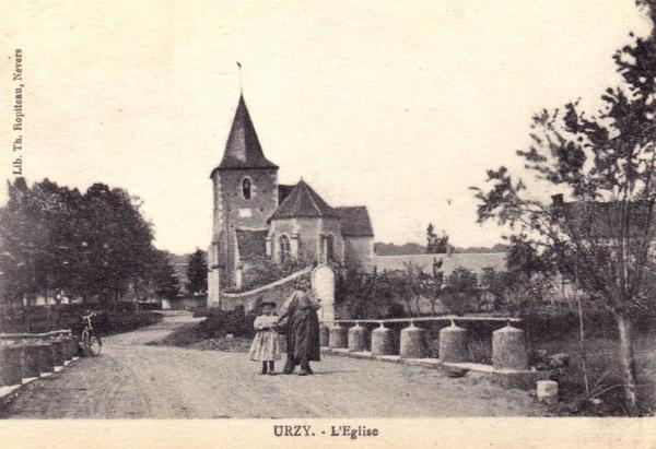 Urzy (Nièvre) L'église Saint Denis CPA