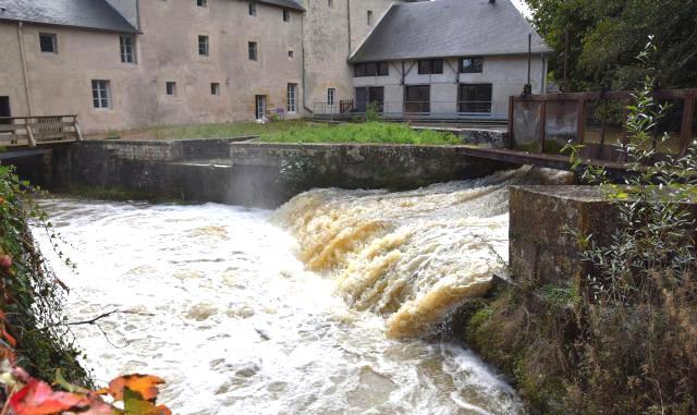 Urzy (Nièvre) Le Vivier, moulin
