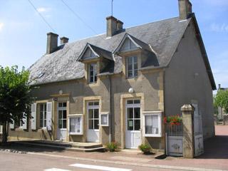 Vandenesse (Nièvre) La Mairie
