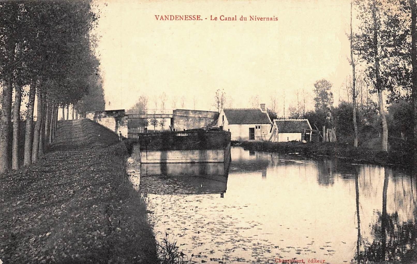 Vandenesse (Nièvre) Le canal du Nivernais CPA