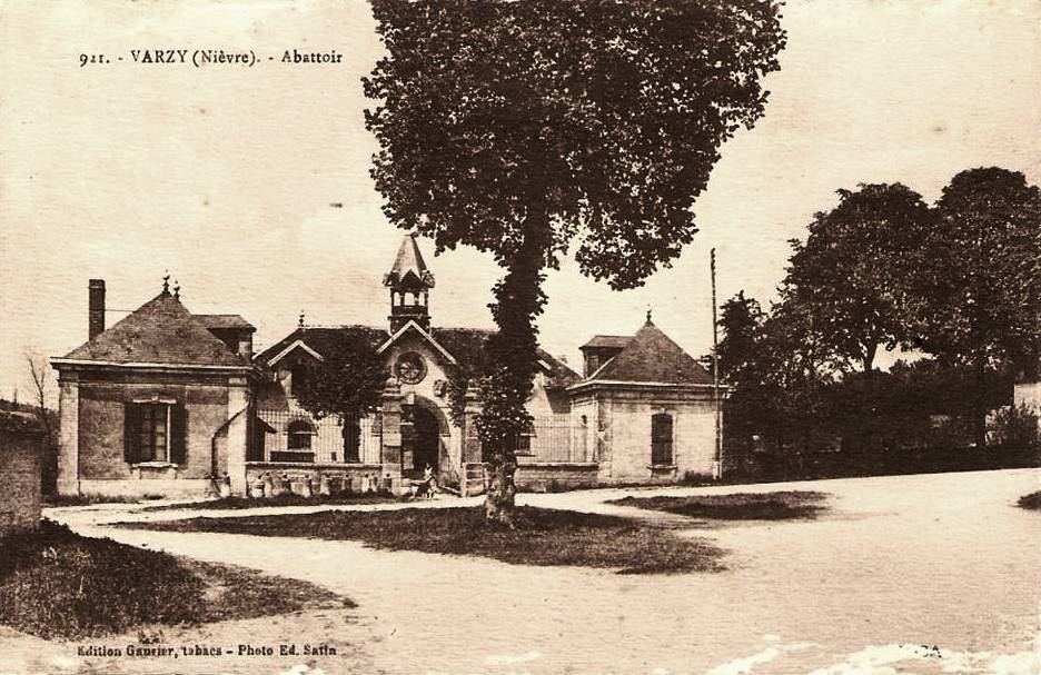 Varzy (Nièvre) L'abattoir CPA