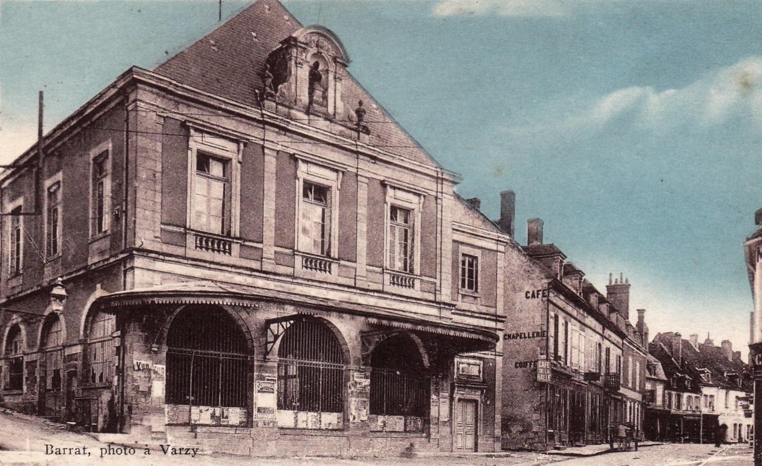 Varzy (Nièvre) La Halle CPA