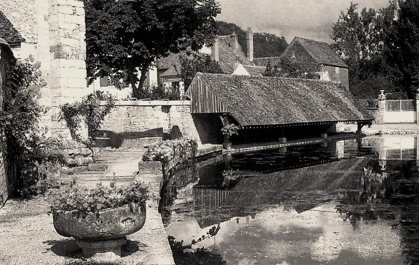 Varzy (Nièvre) Le lavoir CPA