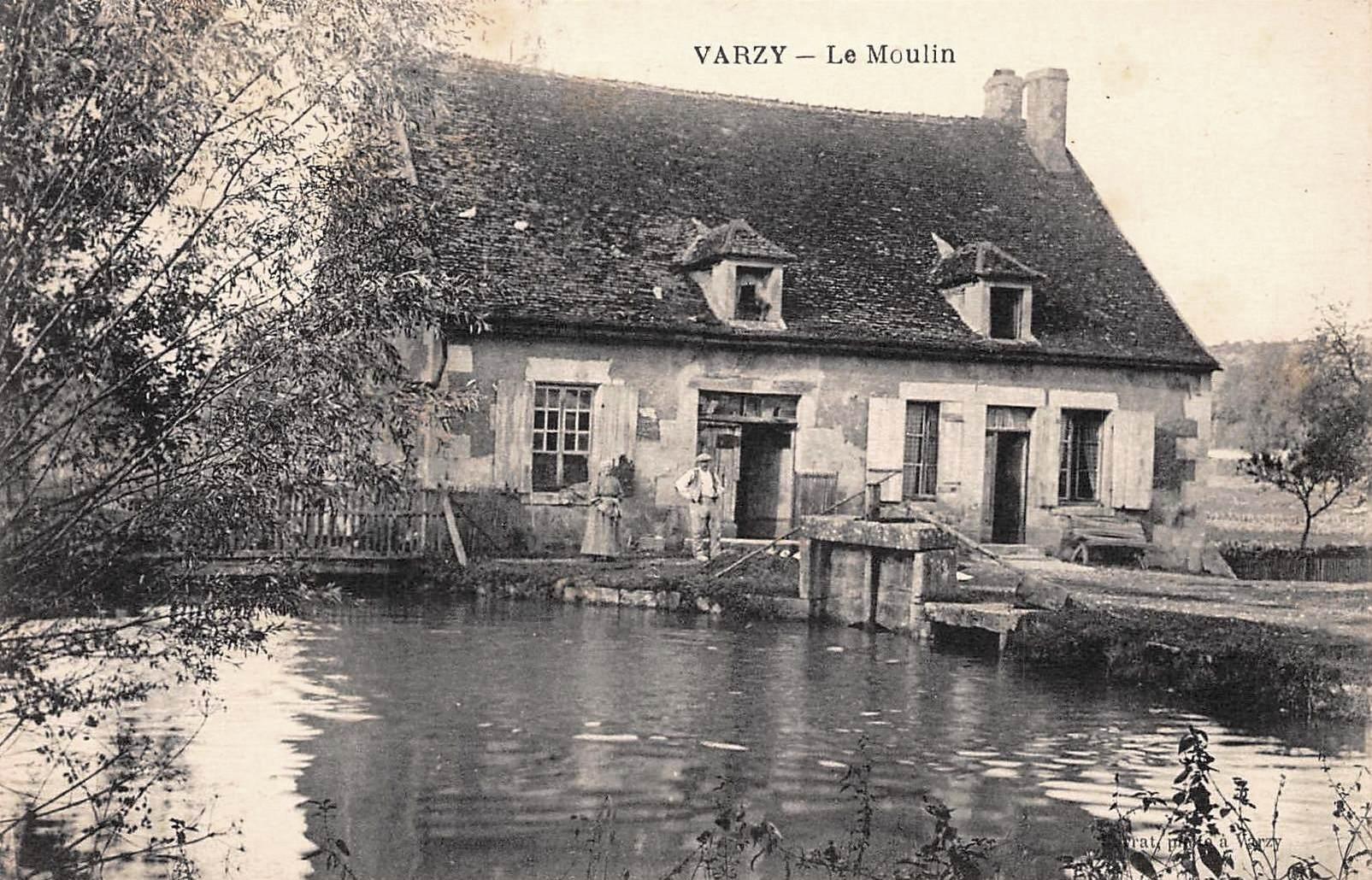 Varzy (Nièvre) Le Moulin CPA