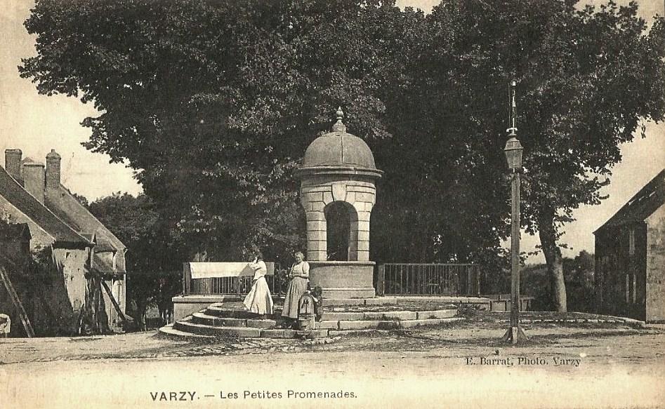 Varzy (Nièvre) Les Petites Promenades CPA