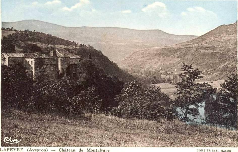 Versols-et-Lapeyre (Aveyron) CPA Le château de Montalègre