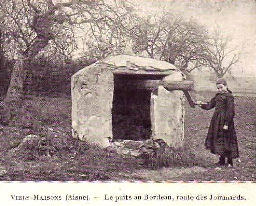 Vieils-Maisons (Aisne) CPA puits de Bordeau