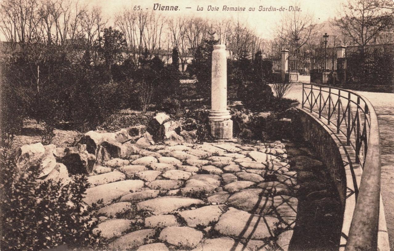 Vienne (Isère) La voie romaine CPA