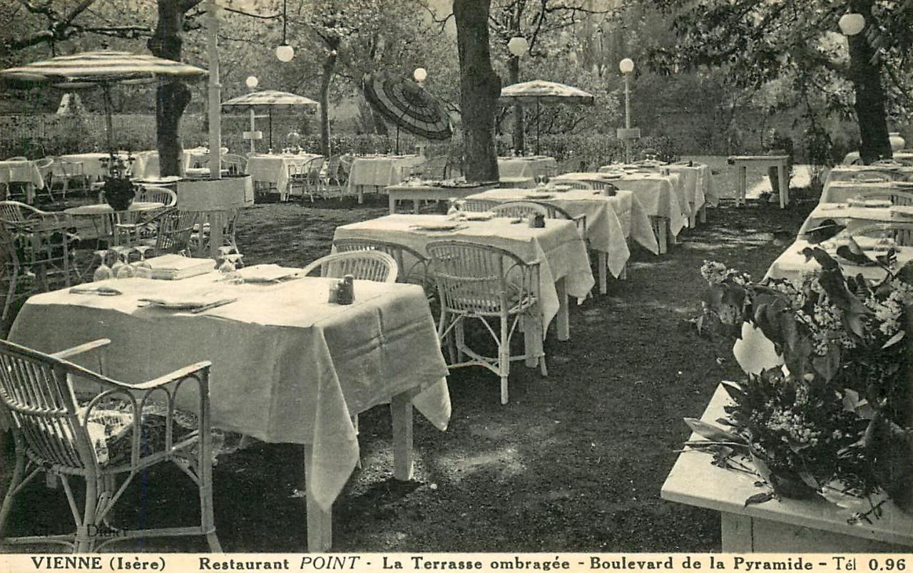 """Vienne (Isère) Le restaurant """"La Pyramide"""" CPA"""