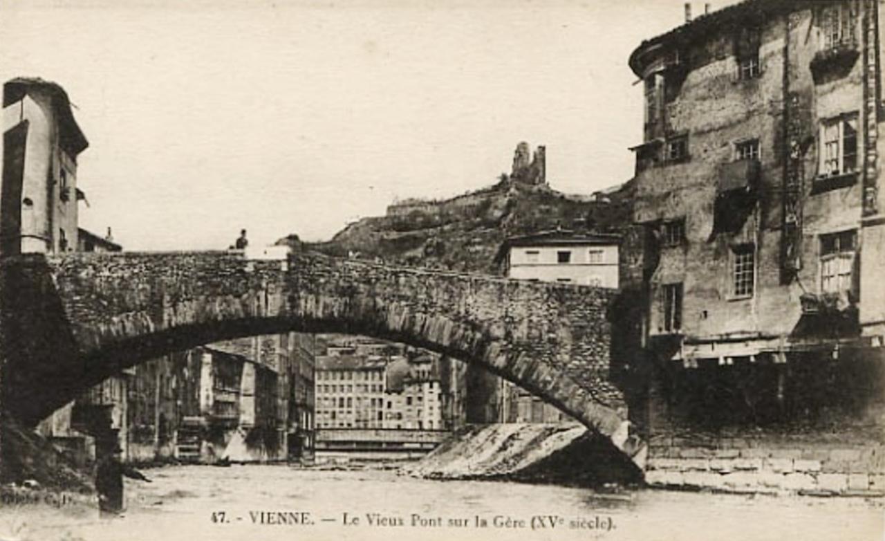 Vienne (Isère) Le vieux pont sur la Gère CPA