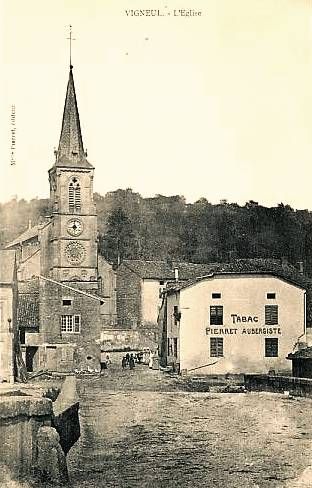 Vigneul-sous-Montmédy (Meuse) L'église Saint Pierre CPA