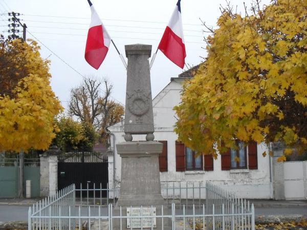 Villers-en-Prayères (Aisne) le monuments aux morts