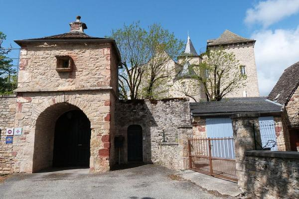 Balsac aveyron le chateau