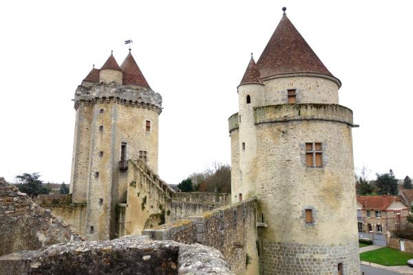 Blandy les tours seine et marne le chateau fort