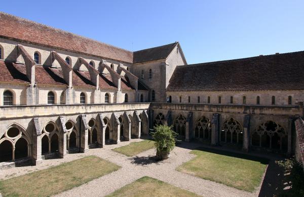 Bruere allichamps cher l abbaye de noirlac