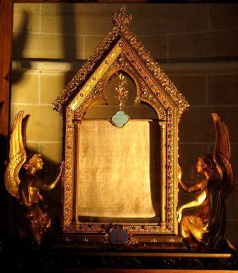 Chartres 28 le voile de la vierge