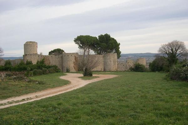 Clermont l herault herault le chateau fort des guilhem