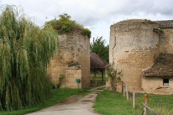 Courcy calvados l entree du chateau copie