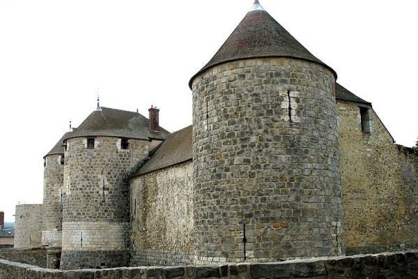 Dourdan essonne le chateau fort