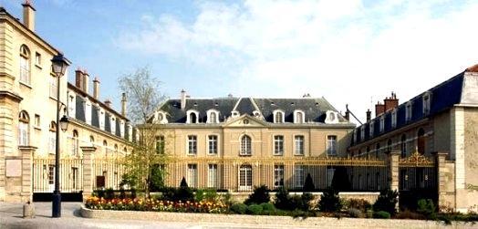 Fontenay aux roses hauts de seine le chateau sainte barbe des champs