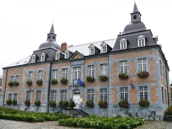 Fumay ardennes le chateau des comtes de bryas