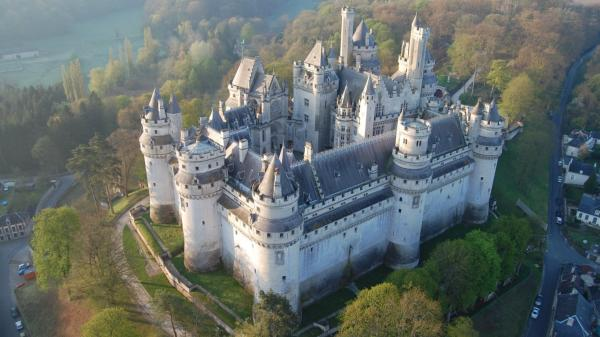 Pierrefonds oise le chateau