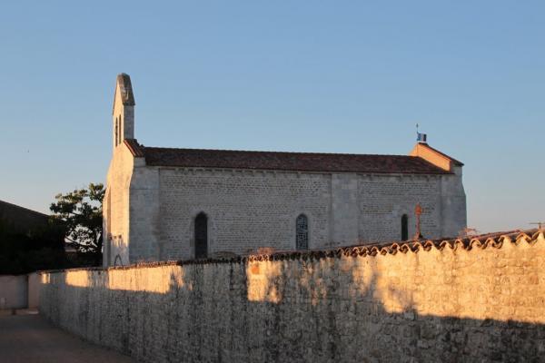 Puyravault vendee l eglise de la commanderie templiere