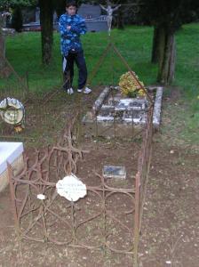 Roqueredonde herault tombe guiraudon