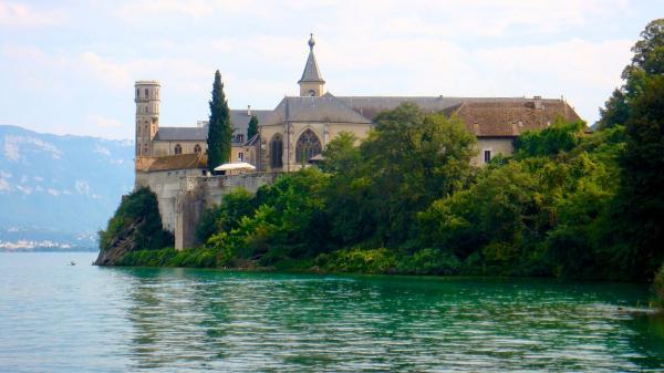 Saint pierre de curtille savoie l abbaye de hautecombe