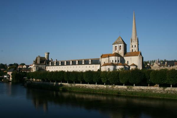 Saint savin sur gartempe vienne l abbaye