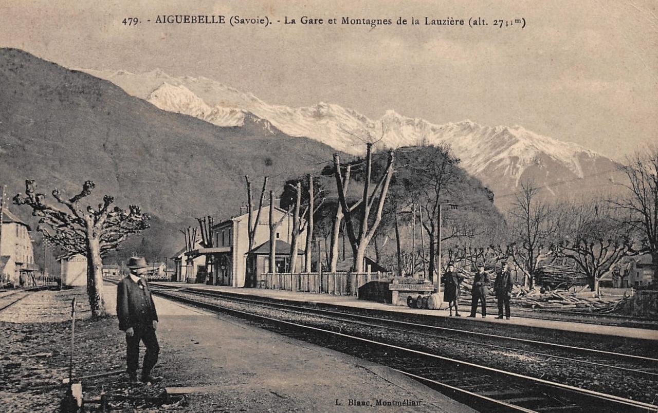 Aiguebelle (Savoie) La gare CPA
