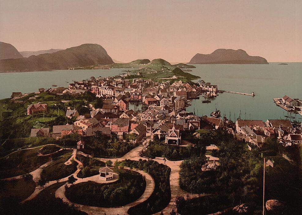 Alesund où il est né,  la péninsule norvégienne en 1903