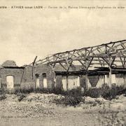 Athies-sous-Laon (Aisne) CPA ferme de la maison bleue en ruines