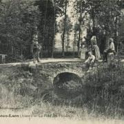 Athies-sous-Laon (Aisne) CPA le pont de pierre