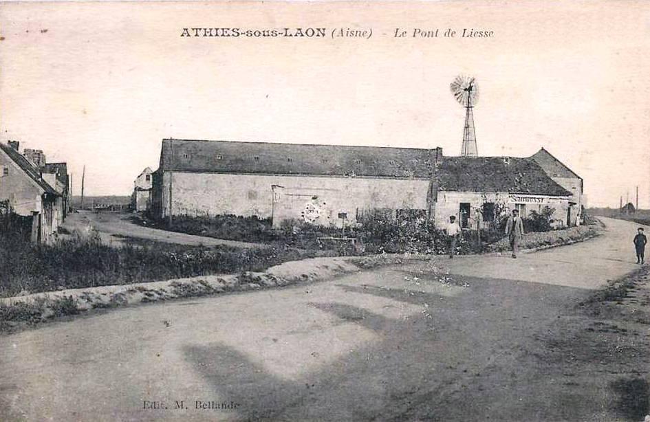 Athies-sous-Laon (Aisne) CPA pont de Liesse