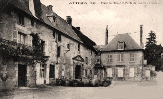 Attichy oise cpa place de l ecole et porte ancien chateau