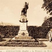 Audun-le-Tiche (Moselle) Le monuments aux morts CPA