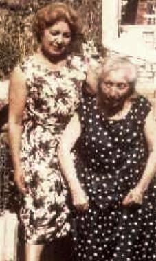 Augustine Isabelle Saillard et sa fille, Conflans en 1963