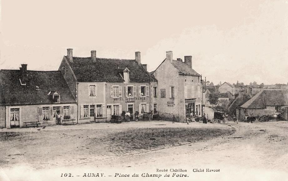 Aunay-en-Bazois (Nièvre) L'hôtel du Commerce CPA
