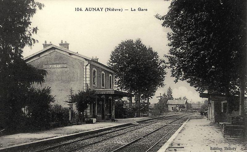 Aunay-en-Bazois (Nièvre) La gare CPA