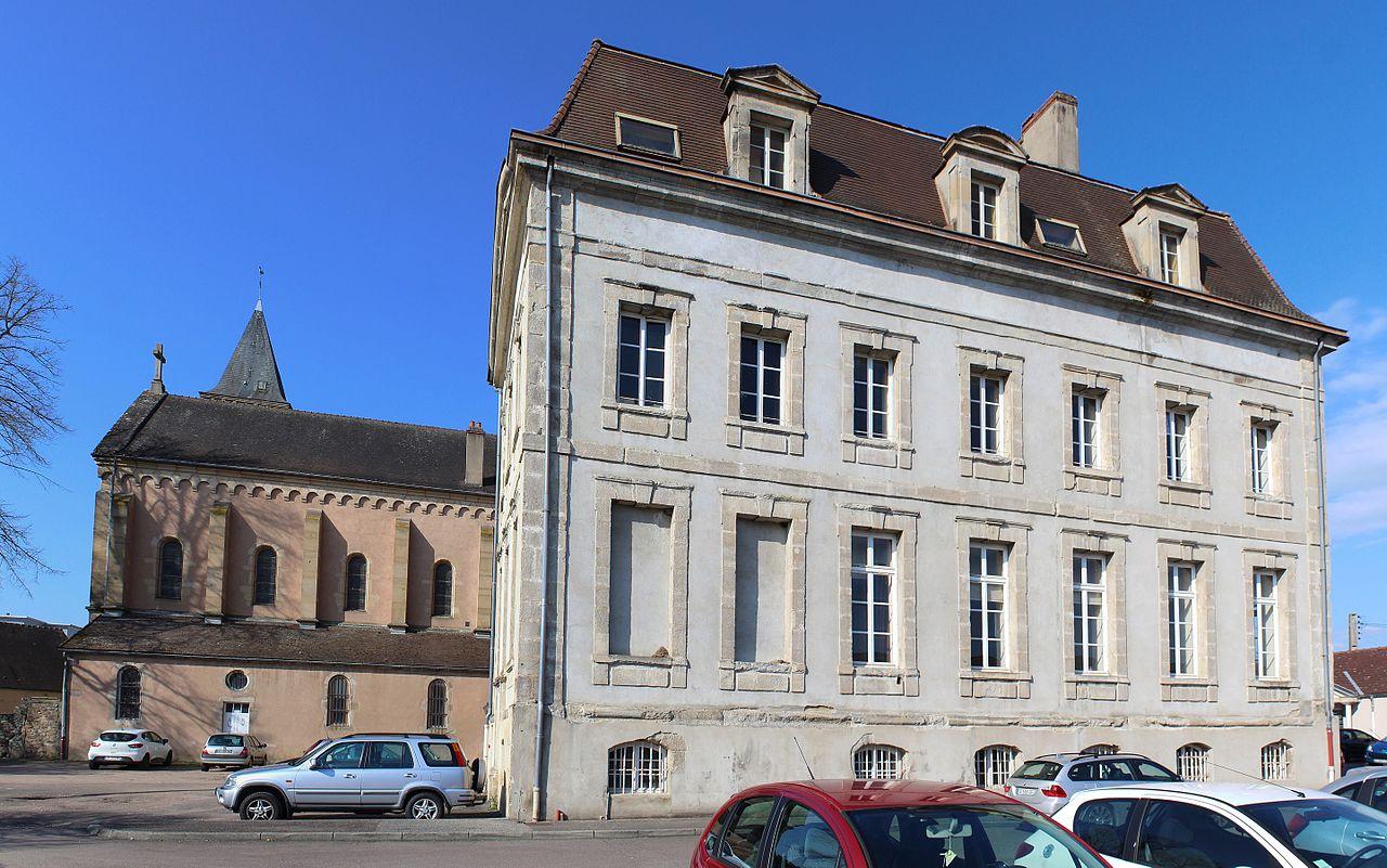 Autun (Saône-et-Loire) L'abbaye Saint-Jean-le-Grand