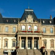 Autun (Saône-et-Loire) L'Hôtel de ville