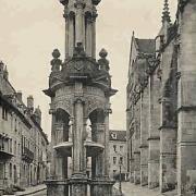 Autun (Saône-et-Loire) La fontaine Saint Lazare CPA