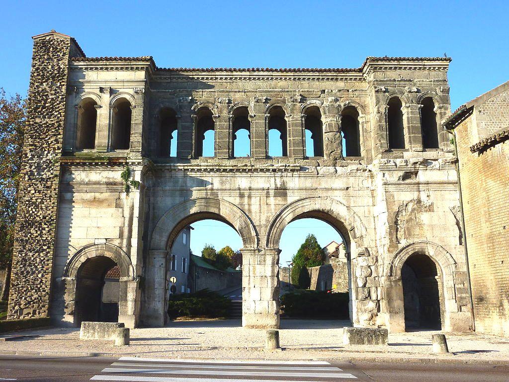 Autun (Saône-et-Loire) La porte Saint-André