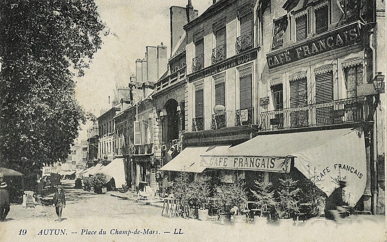 Autun (Saône-et-Loire) Le Café Français CPA