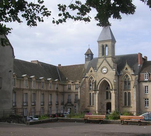 Autun (Saône-et-Loire) Le Couvent du Saint Sacrement