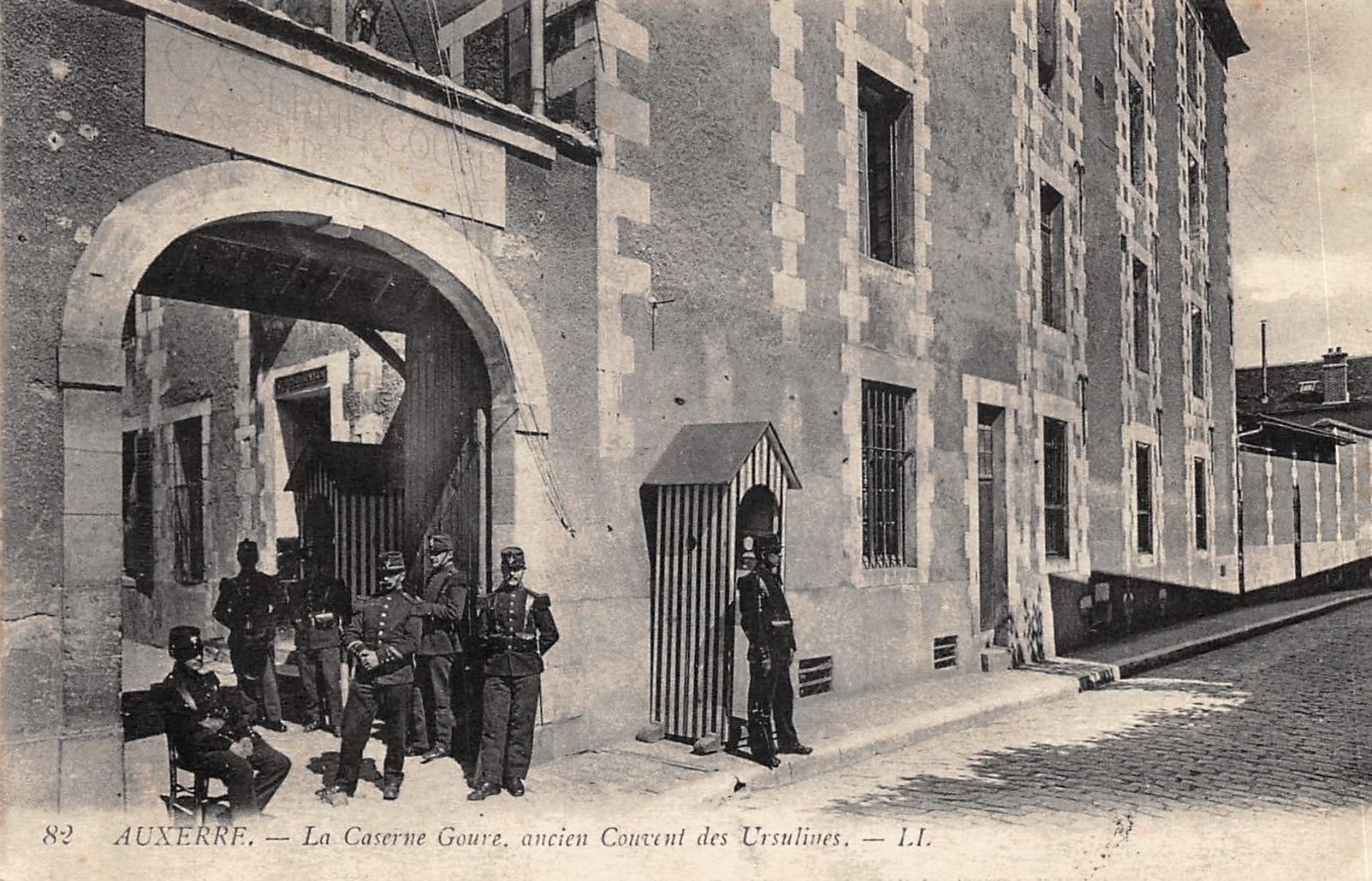 Auxerre (89) L'ancien Couvent des Ursulines CPA