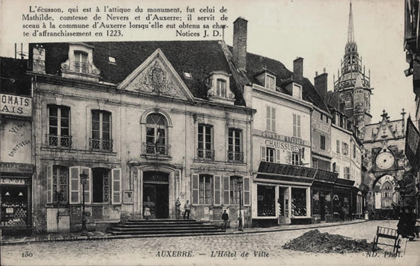 Auxerre (89) L'Hôtel de Ville CPA