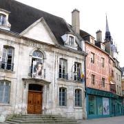 Auxerre (89) L'Hôtel de Ville