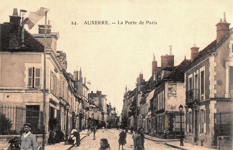Auxerre (89) La Porte de Paris CPA